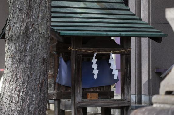 4. 水神社